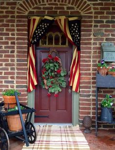 You will see how can a little flower totally shift the energy for the better. So check out my collection of Outdoor Stairs Decoration That Will Amaze You. Fourth Of July Decor, 4th Of July Decorations, July 4th, Americana Decorations, Birthday Decorations, Country Decor, Farmhouse Decor, Farmhouse Front, Country Living