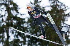 Skispringer Luca Egloff beim FIS Skispringen Weltcup in Engelberg / Schweiz | Fotojournalist Kassel http://blog.ks-fotografie.net/pressefotografie/fis-skispringen-engelberg-schweiz-fotografiert/