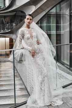 The new Naeem Khan wedding dresses have arrived! Take a look at what the latest Naeem Khan bridal collection has in store for newly engaged brides. Naeem Khan Wedding Dresses, Naeem Khan Bridal, Wedding Dress Trends, Fall Wedding Dresses, Perfect Wedding Dress, Bridal Dresses, Wedding Gowns, Bridesmaid Dresses, Lace Mermaid Wedding Dress