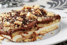 Εύκολο και γρήγορο γλυκό για τους επισκέπτες σας..και όχι μόνο...  Υλικά Για την κρέμα σοκολάτα: 1 λίτρο φρέσκο γάλα 3/4 φλιτζ. ζάχαρη 4 κ.σ. γεμάτες κορν φλάουρ 1 κ.σ. κακάο 1/2 φλιτζ. ξύσμα σοκολάτας  Για την κρέμα βανίλια: 1 λίτρο φρέσκο γάλα 3/4 φλιτζ. ζάχαρη 4