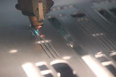 En Lasertall trabajamos el corte láser a la perfección. ¿Quieres saber como? Infórmate en nuestra web.  https://www.youtube.com/watch?v=WSLOjrRjgVE