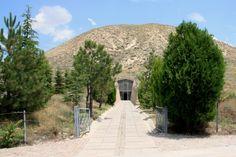 Ankara Rehberi | Ankara Tarihi Yerler | Ankara Gezi Rehberi |Antik Kent Ve Eserler | Ankara Parklar: Ankara Antik Kentler Ve Eserler