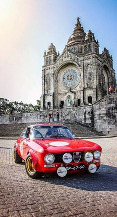 Alfa Romeo Giulia in front of the Cathédrale St. Pierre #maserativintagecars