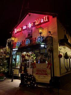 Hole in the wall pub Phoenix Park Dublin