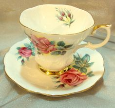 """Royal Albert Teacup Saucer Fine Bone China """"Sweetheart Roses"""" Made in England"""