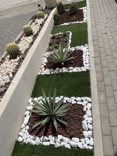 Rock Garden Design, Vegetable Garden Design, Small Front Yard Landscaping, Landscaping With Rocks, Backyard Garden Landscape, Backyard Landscaping, House Plants Decor, Garden Projects, Garden Inspiration