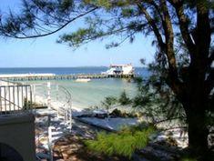 Banana Beach Villa offers Beachfront living on Anna Maria Island. Beach Vacation Rentals, Vacation Villas, Banana Beach, Bradenton Beach, Indian Shores, Mediterranean Style Homes, Anna Maria Island, Beach Villa, Beaches In The World