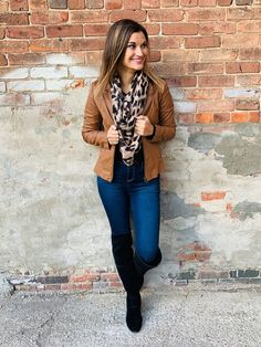 Faux leather jacket with leopard scarf! Chic Outfits, Fashion Outfits, Fashion Scarves, Women's Fashion, Leopard Print Scarf, How To Wear Scarves, Fall Winter Outfits, Wearing Black, Scarf Styles