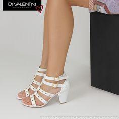 Olha que linda essa sandália branca da nova coleção Di Valentini!  Estamos aqui morrendo de amor por ela... ❤️ #dvwinter #divalentini #danovacoleção #shoes #love #top #fashion