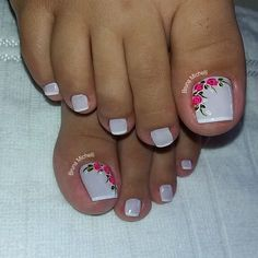 23 that will make you bright summer nails designs glitter fun 008 Pedicure Designs, Pedicure Nail Art, Toe Nail Designs, Toe Nail Art, Nail Spa, French Pedicure, Pretty Toe Nails, Cute Toe Nails, Gel Nails