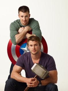 Chris Evans and Chris Hemsworth!Too much hotness going on in this picture!) but I mean ya Chris Evans is good looking but then you see Chris Hemsworth and c'mon you have to admit you want to just die a little 😍😍 Chris Evans, Chris Pratt, Chris Hemsworth, Jeremy Renner, Steve Rogers, Christian Grey, Z Cam, The Avengers, Avengers Symbols