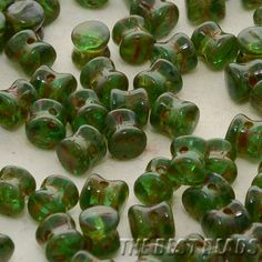 50pcs Emerald Green with Marble Stone Travertine Pellet Pressed Beads 6x4mm #etsy #glass