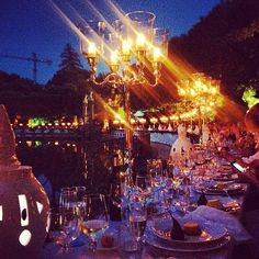 Candlelit dinner last night with @LUISAVIAROMA.COM.COM & 300 guests seated around a beautiful pond in the Boboli Gardens, Boboli, Fontana dell'Isola, Firenze, Italy