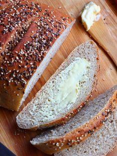Täysjyväinen leipä - Suklaapossu Bread Board