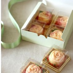 Plastic Cake Box Single Individual Cake Boxes Golden Bottom Plastic Mooncake Pvc Boxes Food Gift Packaging 5*5*4 cm