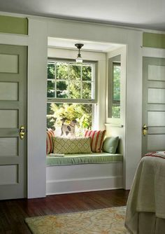Side door window seats and master bedrooms on pinterest for Window side seating