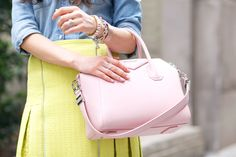 Pink Peonies Givenchy Antigona, Classic Handbags, Love Her Style, Prada Bag, Pink Peonies, Bucket Bag, Stylish, Scarfs, Accessories