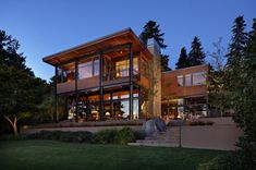grand-glass-lake-house-with-bold-steel-frame-1.jpg