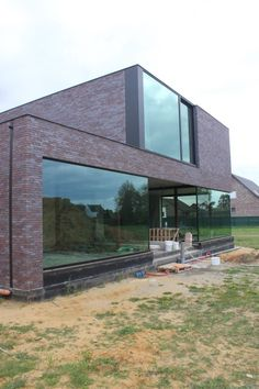 Alulim | Aluminiumconstructies | Limburg | Realisaties | Woningbouw | Moderne woning, Opglabbeek Modern Architecture House, Modern Buildings, Architecture Design, Modern Brick House, Modern House Design, Contemporary Building, House Elevation, Brickwork, Modern Exterior