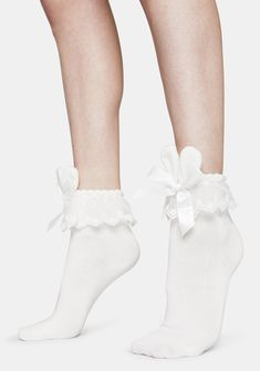 Love Bunny Ruffle Socks hop to it with these adorable ankle socks that have lace ruffle cuffs and satin bow accents with lil bunny ears. Frilly Socks, Cute Socks, Long White Socks, Cute Korean Fashion, Kawaii Fashion, Harajuku Fashion, Designer Socks, Kawaii Clothes, Fashion Socks