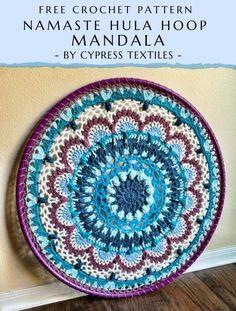A free crochet pattern of a Hula Hoop Mandala. Do you also want to crochet this mandala? Read more about the Free Crochet Pattern Namaste Hula Hoop Mandala. Crochet Wall Art, Crochet Home, Crochet Crafts, Yarn Crafts, Crochet Yarn, Crochet Projects, Free Crochet, Crochet Shawl, Crochet Doily Diagram