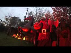 Twin Oaks Manor 2015 - This yard haunt includes just about every haunt theme you can think of.  Well done! Halloween Forum