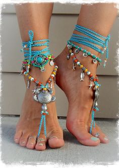 10 Brilliant Adorable DIY Anklets for Beachwear Hippie Shoes, Boho Hippie, Bare Foot Sandals, Beach Sandals, Boho Sandals, Bracelet Turquoise, Crochet Barefoot Sandals, Mode Shoes, Beaded Anklets