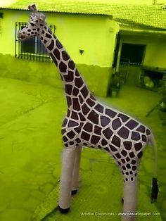 Girafe with plastic bottels