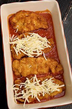 Pui cu parmezan si mozzarela - Pui Parmigiana | Diva in bucatarie Fajitas, Mozzarella, Lasagna, Carne, Banana Bread, Spaghetti, Ice Cream, Cooking, Ethnic Recipes