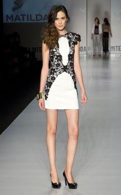 ¡Vestido Blanco/Negro con detalles de encaje!  www.matildabytruelove.com