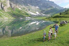 Rundwanderung Braunwald - Oberblegisee | Braunwald Mountains, Nature, Travel, Tourism, Hiking, Woodland Forest, Get Tan, Viajes, Naturaleza