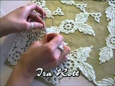 <img> Irish Crochet Lace, spiral flower Source by - Appliques Au Crochet, Crochet Motifs, Freeform Crochet, Crochet Leaves, Crochet Flowers, Crochet Toys, Irish Crochet Tutorial, Irish Crochet Patterns, Lace Patterns