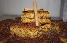 Saftig kake med kanelfyll (langpanne) Norwegian Food, Norwegian Recipes, Banana Bread, Cake Recipes, French Toast, Sweets, Baking, Breakfast, Desserts