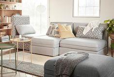 VALLENTUNA-sohvasarjan moduuleista voit luoda aivan yksilöllisen sohvan. Voit valita sohvaasi esimerkiksi korkeat tai matalammat selkänojat ja istuinosia, joissa on vuode tai säilytystilaa. Voit myös valita vaikka joka osaan erivärisen päällisen. Yhdistele ihan miten haluat.
