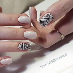 nude nails with art deco style design Cute Simple Nails, Perfect Nails, Cute Nails, Pretty Nails, May Nails, Hair And Nails, Art Deco Nails, Nail Art, Nails 2018
