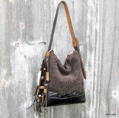 Bolso cuero pequeño negro y marrón con franja por stacyleigh