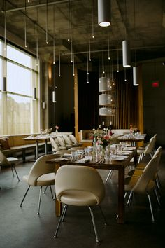 The gorgeous mid-century modern restaurant, Mildred's Temple Kitchen in Toronto is FABULOUS for weddings Modern Restaurant, Toronto Wedding, Intimate Weddings, Heron, Mid-century Modern, Temple, Mid Century, Wedding Photography, Interior