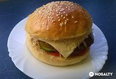 Hamburger húspogácsa és puffancs Hamburger, Chicken, Ethnic Recipes, Food, Box Lunches, Essen, Burgers, Meals, Yemek