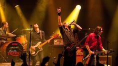 drive-by-truckers-by-maria.jpg 3,740×2,103 pixels