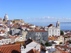 São muitos os bairros de Lisboa: aqui encontrará os mais importantes, que recomendamos conhecer tanto pela importância histórica como cultural. Bom passeio!