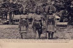 Historical photo with taupous wearing their tuiga