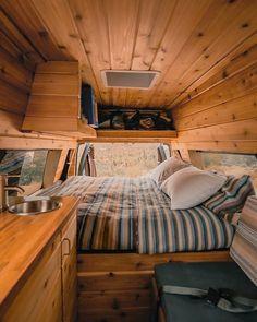Van Conversion Interior, Camper Van Conversion Diy, Van Living, Tiny House Living, Rent Camper, Minivan Camping, Rv Camping, Camping Hacks, Classic Campers