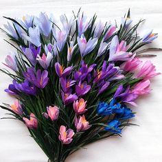 #Handmade #paper #flowers #crepepaperflowers #decoration #italianpaper