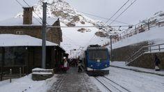 El cremallera estació de Núria. The rack railway Nuria station