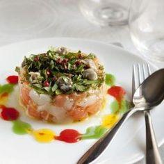 Tartare de saumon et Saint-Jacques aux herbes fraîches