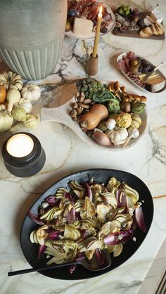 An Intimate Thanksgiving with Crate How To Read A Recipe, Whole Roasted Chicken, Thanksgiving Table, Food Design, Tasty Dishes, Crate And Barrel, Dinner Plates, Salad Recipes, Crates