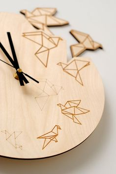 Inspired by nature this clock will bring art, nature and joy in your nest! Its simple design and clean lines will be perfect decor for your living room, kitchen or bedroom. Birds fits everywhere! 🐦 Every clock is unique thanks to natural wood grains of clocks sunny light brown material. Cut out birds comes with self adhesive tape on back, so even kid could attach them. Size: 🐦 12 inch; 29 cm diameter 🐦 0.15 inch; 0,39 cm thin Material: 🐦 Natural birch plywood, FSC certified 🐦 Light…