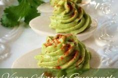 Vegan-Avocado-Guacamole--Deviled--ìEggs'1
