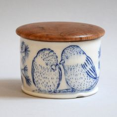 salt cellar-love the wooden top on this.  Make or find one to fit my own salt cellar?