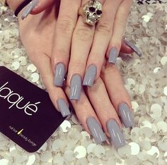 keeping-up-with-the-jenners:  Kylie's nails made by laque nail bar